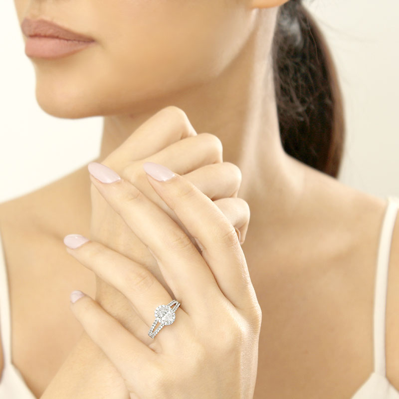 18ct White Gold Oval Shape Split Shoulder Halo Engagement Ring