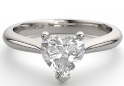 3-claw setting engagement ring