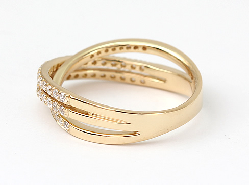 Crossover yellow gold ring