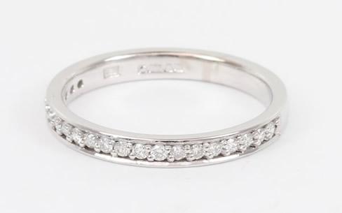 Diamond wedding ring setting