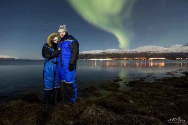 A romantic proposal under the Northern Lights