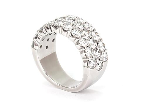 Row diamond ring design