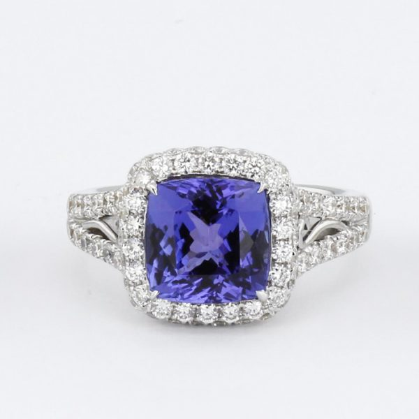 Rough Tanzanite in its Raw Form, image courtesy of the GIA