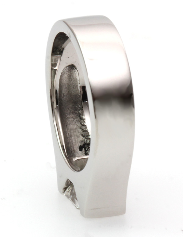 bespoke emerald diamond ring