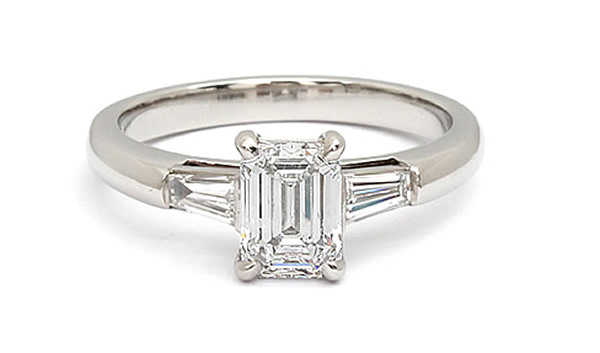 emerald diamond engagement ring shape