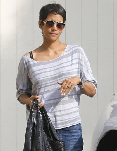halle berry engagement ring
