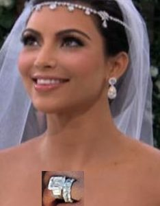 Celebrity engagement ring and wedding ring
