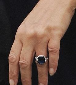 liz hurley sapphire and diamond engagement ring