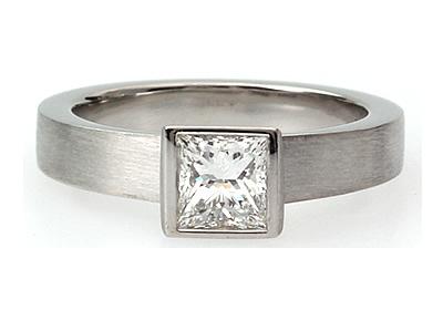 princess cut diamond engagagement ring with matt finish