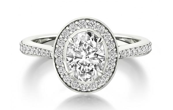 oval diamond engagement ring halo diamond setting