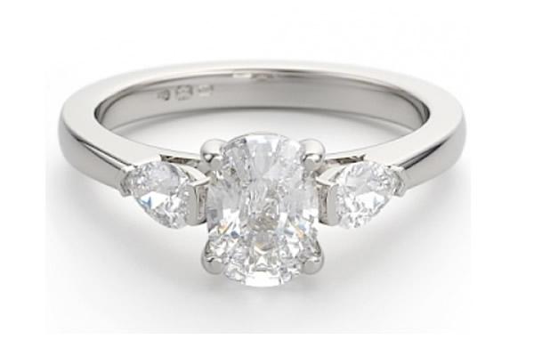 oval diamond engagement ring shape