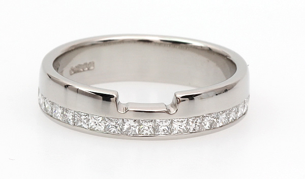 princess cut shaped diamond wedding ring