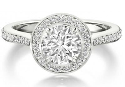 round brilliant cut diamond halo engagement ring