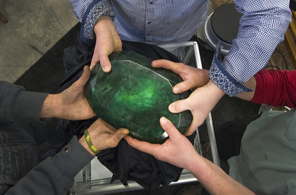 the worlds largest emerald stone
