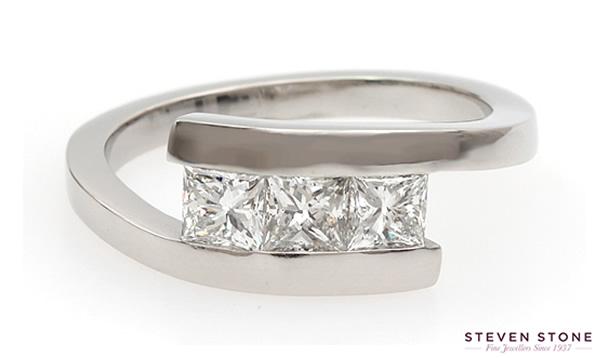 three stone priincess cut diamond ring
