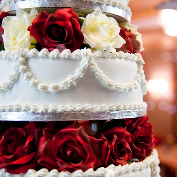 wedding cakes with roses